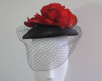 Vintage 40s Beret with Flower and Veil