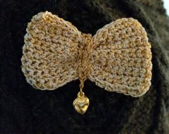 Bow tie crochet brooch handmade lame gold/cotton white charm golden heart