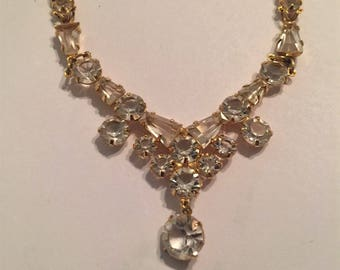 Vintage Gold Tone Rhinestone Necklace / Beautiful Design / Pageants / Weddings / Formal