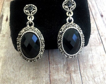 3e4543bf8 Beautiful Vintage Silver Tone Earrings with Black Stones / Dangling Earrings  / Black Faceted Stones / Classic Look / Pierced Posts