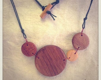 Wood multi color bubbles necklace