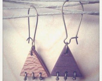 Boucles d'oreille en bois petits triangles