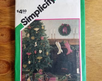 Simplicity Victorian Christmas Ornament Pattern #6617