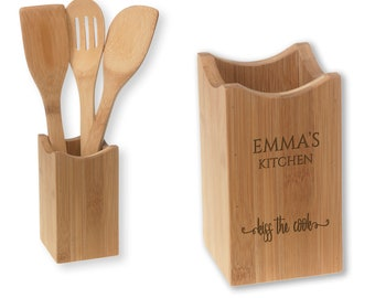 Engraved bamboo utensil holder, wood spoon, spatula slotted spoon - 4 pc GIRLFRIEND kitchen gift - UTS-KS