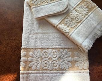 Vintage 3 Piece Cannon Monticello Bath towel set