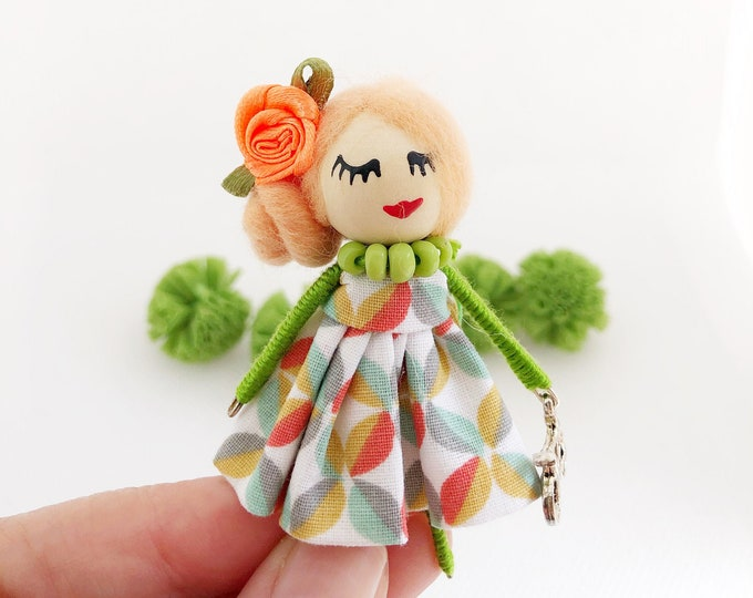 Brooch doll with spring colors - summer, birthday gift, guest detail, fun accessories.