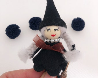 Witch Brooch, Witch for Halloween, Jewelry for Halloween, Felt Witch