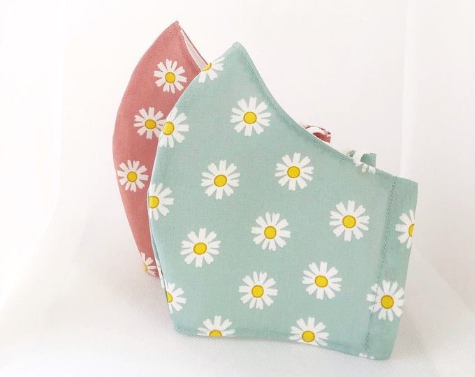 100% cotton fabric mask with filter pocket and daisy print, water-repellent and antibacterial inner fabric