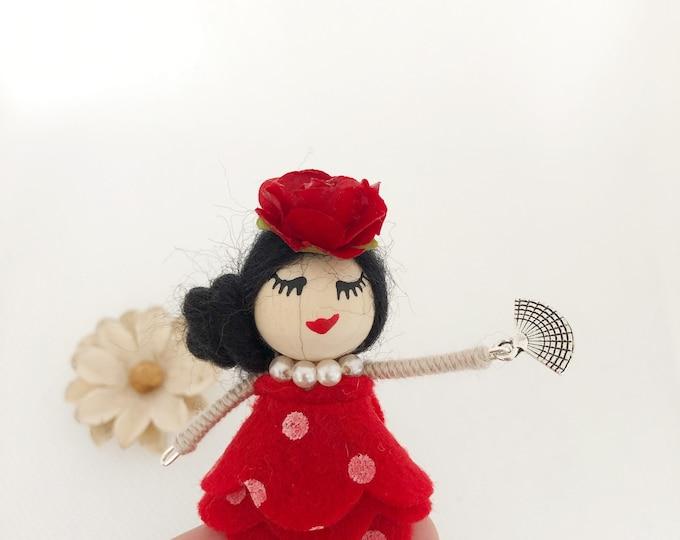Muñeca broche vestida de flamenca , muñeca española , muñeca andaluza, bailarina española