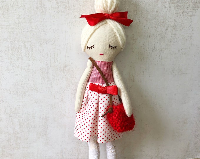 Fabric doll with accessories. Model Marisa.