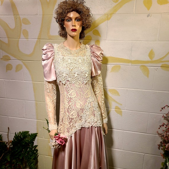Victorian Lace, Garden Wedding, 80s Party Dress, J