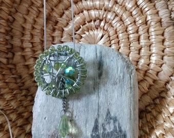 Green Twisty Pendant Necklace