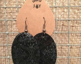 Drops of Joy leather earrings black and silver damask