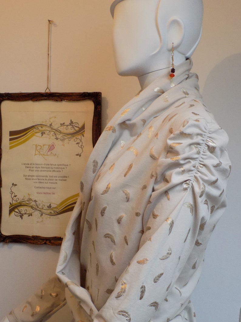 Size M Ancalim jacket in viscose jersey Sweat beige and gold feather print