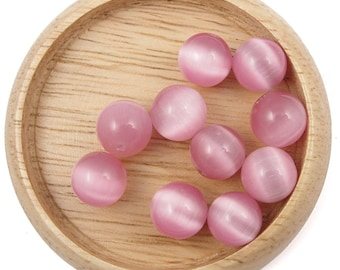 10 pale pink cat eye beads - 8mm