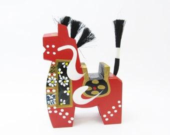 Yawatauma (Red).Wooden horse.Vintage Japanese Folk Art.1970s. 194mm.#fa90.msjapan
