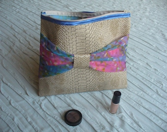 Toilet bag /maquillage/ jewelry bow leaves Rainbow faux Tan Leather