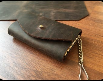 Leather key case dark brown pull up