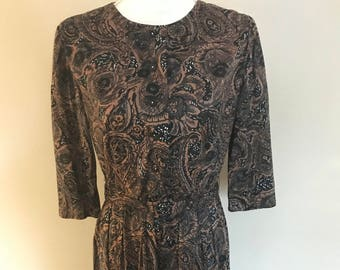 Vintage 1940's Paisley Day Dress Retro Fashion Comfortable Hipster