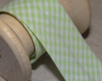 Through light green gingham, width 20 mm