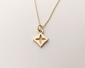 TINY CLOVER NECKLACE delicate clover charm gold clover sterling silver necklace modern clover necklace minimalist jewelry simple pendant