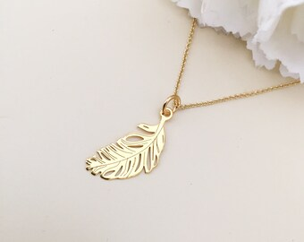 Gold Feather pendant feather necklace delicate necklace Gift for her fashion jewelry necklace nature jewelry layer necklace boho look