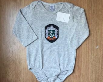 079533302 Newborn & Infant Slytherin Bodysuit