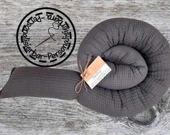 Bettschlange, Waffelpique Anthrazit, 80cm bis 400cm wählbar, aus ÖKO-TEX© zertifizierten Materialien, Handgemacht - Personalisierbar