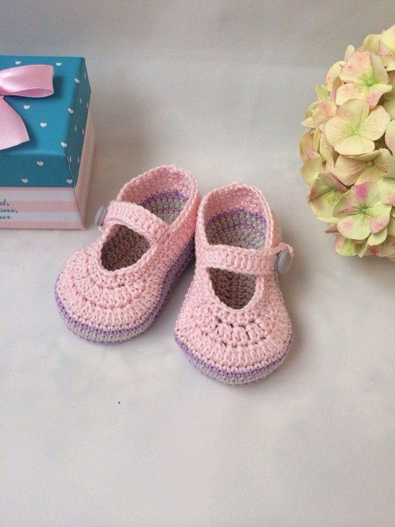 Crochet baby booties Pink booties Mary