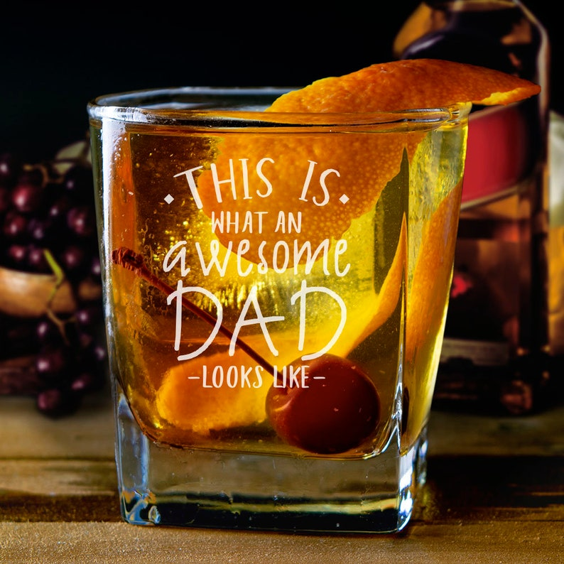 Awesome Dad Whiskey Glass This Is What An Awesome Dad Looks Like Engraved Whiskey Glass Father/'s Day Gifts Gift for Dad