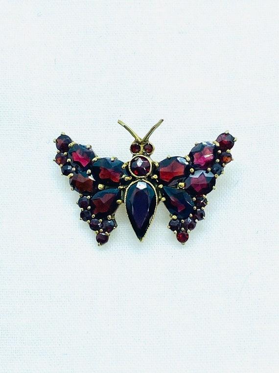 Vintage Bohemian Garnet butterfly brooch, 9k gold… - image 3
