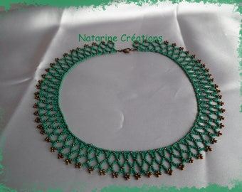 Lace necklace emerald green and bronze