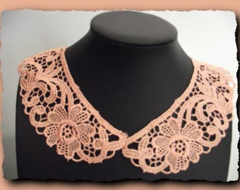 Pink guipure lace Peter Pan collar to customize your outfit