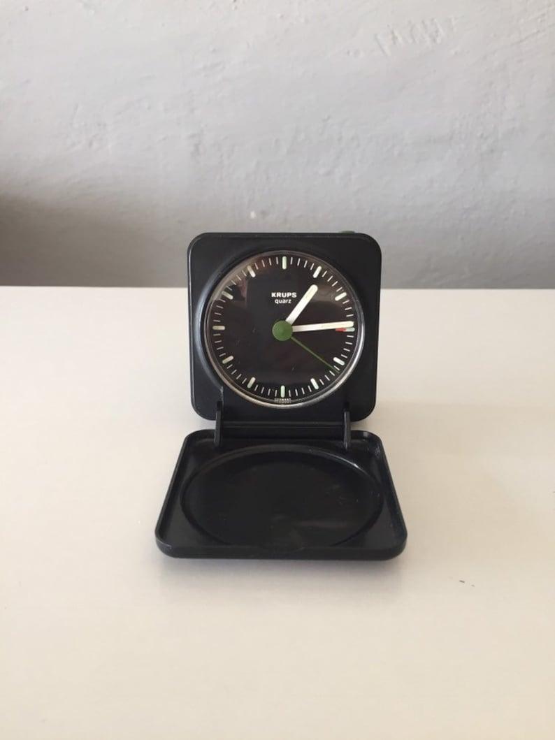 Réveil Krups - horloge de bureau - Fabriqué en Allemagne - avec la conception de couverture