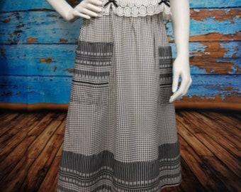 60s / 70s sweet gingham skirt.