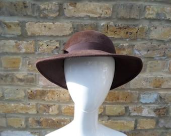 Fabulous 70s felt hat. 47b26c7617b4
