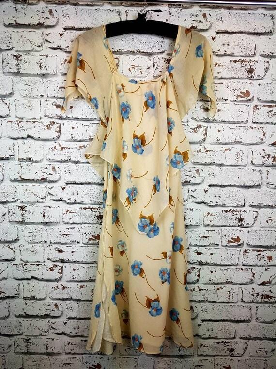 Beautifull 70s pret a' porter handkercheif dress,