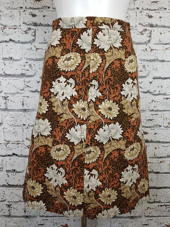 70s skirt in a william morris print, size 6.