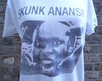 Original 90s skunk Ananse t shirt. Size S.