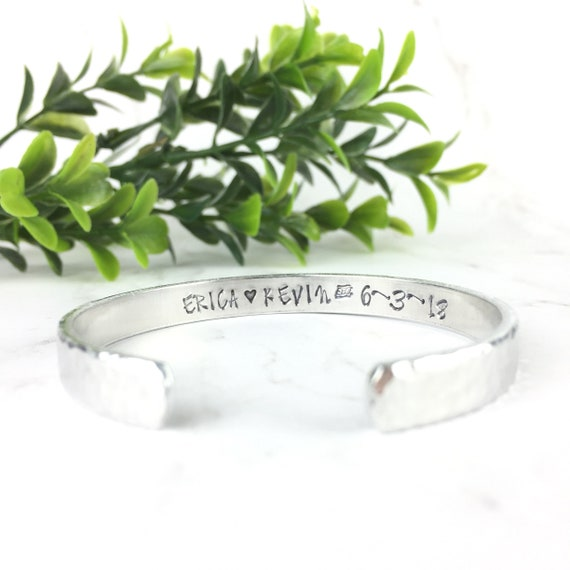 Womens Girls Name Bracelet Personalised Hypoallergenic Valentine/'s Day Gift