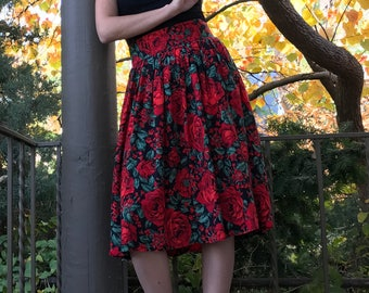Vintage Red Rose Print Gathered Skirt | XS | S