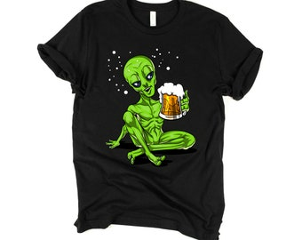42a8e590 Space Alien Party Shirt - Funny Beer Drinking Tees - Mens Alien Gifts -  Beer Lover T-Shirts - Cosmic UFO Extraterrestrial Party Clothing