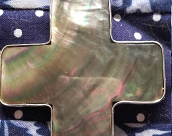 Circled cross iridescent shell PENDANT Metal Silver 6.25 cm - L 5.75 cm H