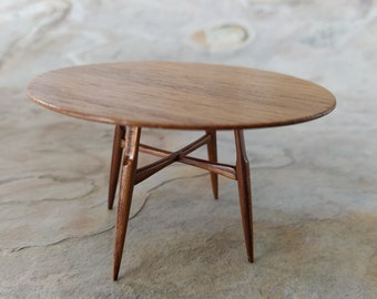 Round dining table based on  GE-526 by Hans Wegner. Miniature version in 1:12 scale for dollshouse colectors