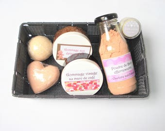"""Complete well-being"" box - personalized - assortment: bomb bath scrub, lip balm, etc."