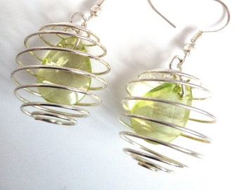 Spiral earrings with pearls Green