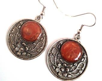 Handmade earrings with resin