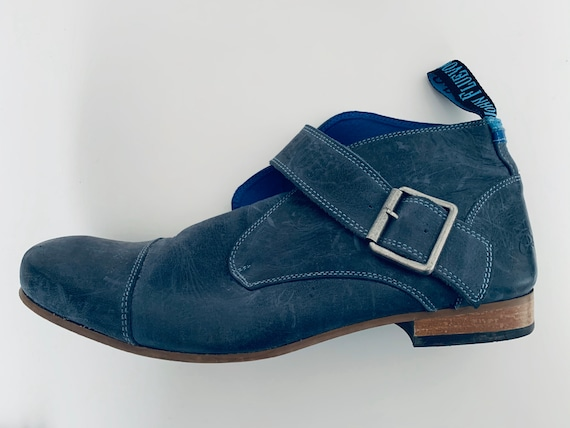 JOHN FLUEVOG blue chukka boots
