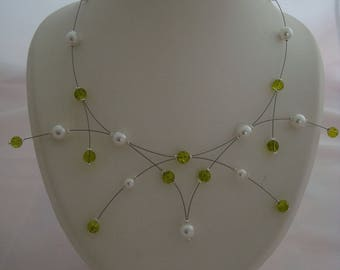 Necklace original color white and green