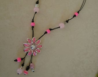 Original fashion necklace black and pink